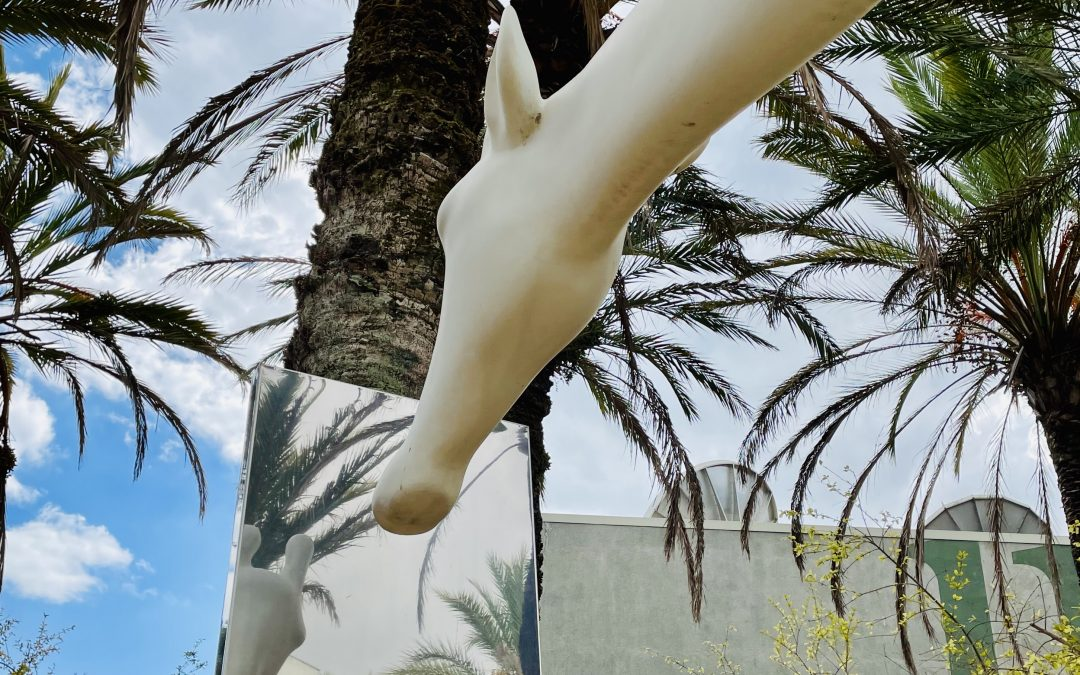 giraffe sculpture in Lisbon Portugal